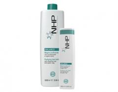 Очищающий шампунь от жирной кожи головы с эфирными маслами и зеленой глиной Максима Purifying hair bath Maxima