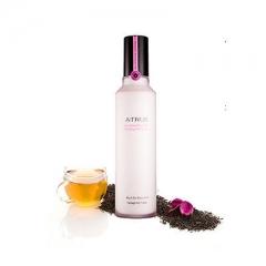 Увлажняющий крем на основе черного чая с лепестками фиалок Rose Petal black tea Enriching Moisturizer A-True
